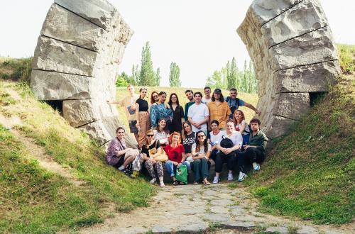 Përfundojnë aktivitetet e kampit të parë të shkëmbimit ndërkulturor